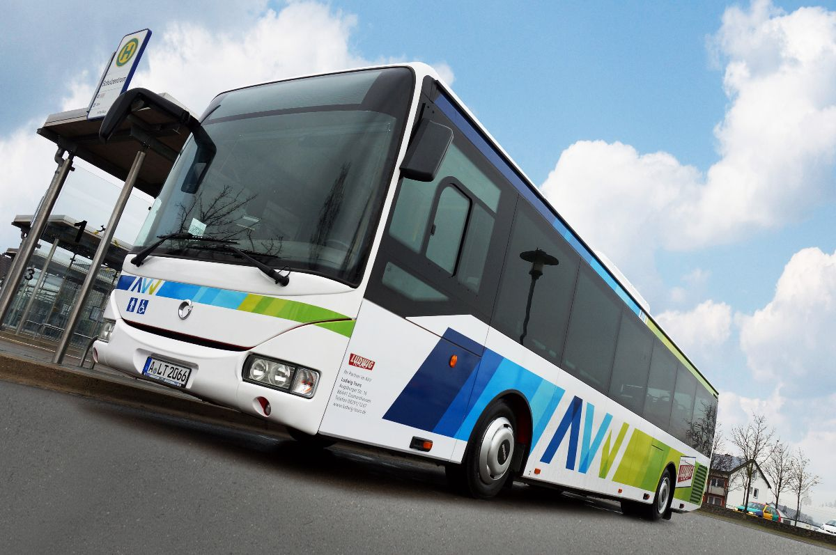 AVV-Bus-LudwigTours Fahrtzeit ist Freizeit | Bald gibt es auch in einigen AVV-Regionalbussen freies WLAN Landkreis News Wirtschaft AVV Augsburger Verkehrs- und Tarifverbund WLAN |Presse Augsburg