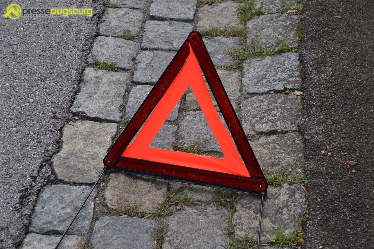 """polizei_unfall_warndreieck Kurioser Unfall   Wenn eine """"radlose"""" Autofahrerin auf der Ackermann-Straße unterwegs ist... News Polizei & Co Bgm-Ackmann-Straße Holzbachstraße Unfall  Presse Augsburg"""
