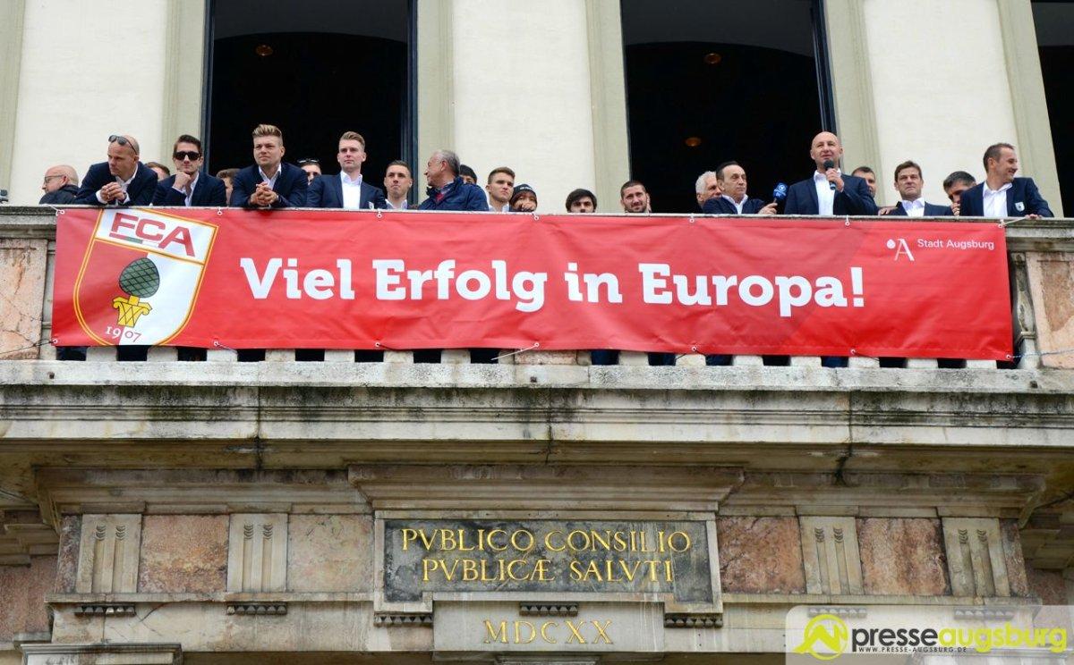 2015-05-24-FCA-Fan-Party-–-049 Europa bringt den FC Augsburg zum Schwitzen FC Augsburg News Sport Eintrittskarten europa league FC Augsburg Karten Vorverkauf  Presse Augsburg