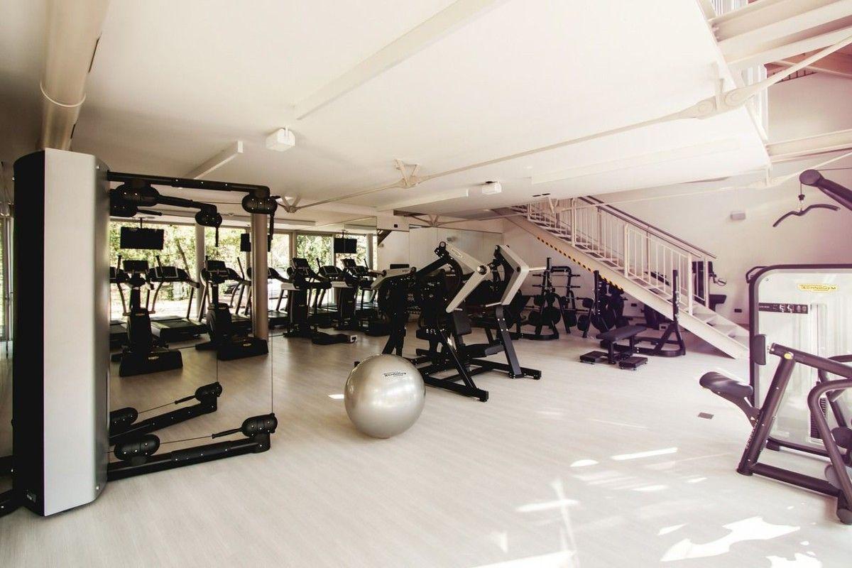 gym-fitness Kann ein Fitnessstudio-Vertrag vorzeitig gekündigt werden, wenn man zugenommen hat? News Polizei & Co Fitnessstudio Rechtsprechung Vertragskündigung |Presse Augsburg