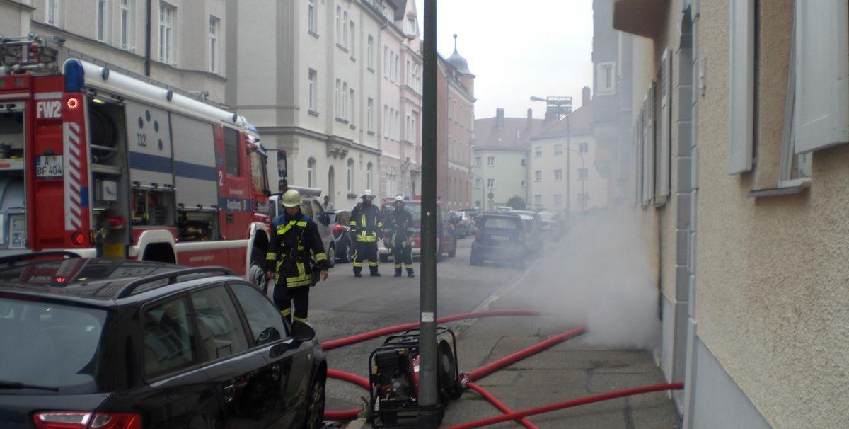 feuerwehr_burgfrieden Göggingen | Hoher Sachschaden nach Brand in der Burgfriedenstraße News Polizei & Co Burgfriedenstraße Feuerwehr Göggingen |Presse Augsburg