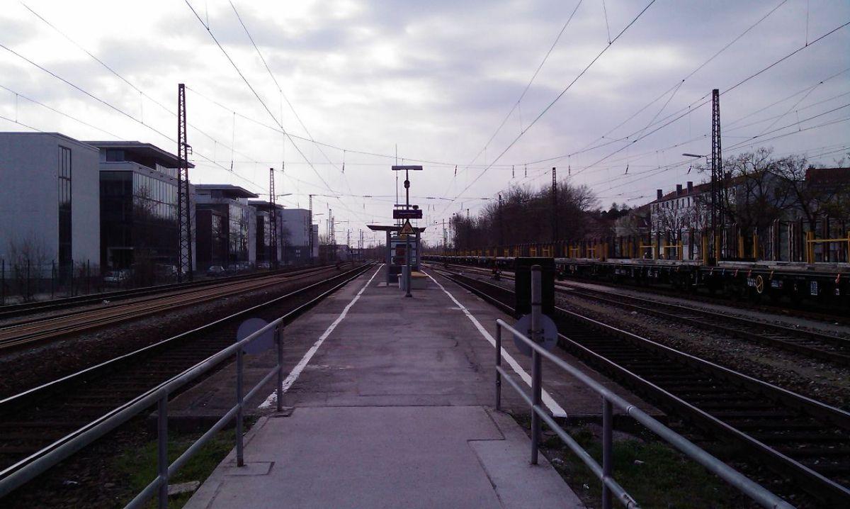 Augsburg-Morellstraße 1,4 Millionen Euro |Neuer Bahnsteig für den Haltepunkt Morellstraße News Augsburg Bahn Bahnsteig Haltestelle Morellstraße |Presse Augsburg