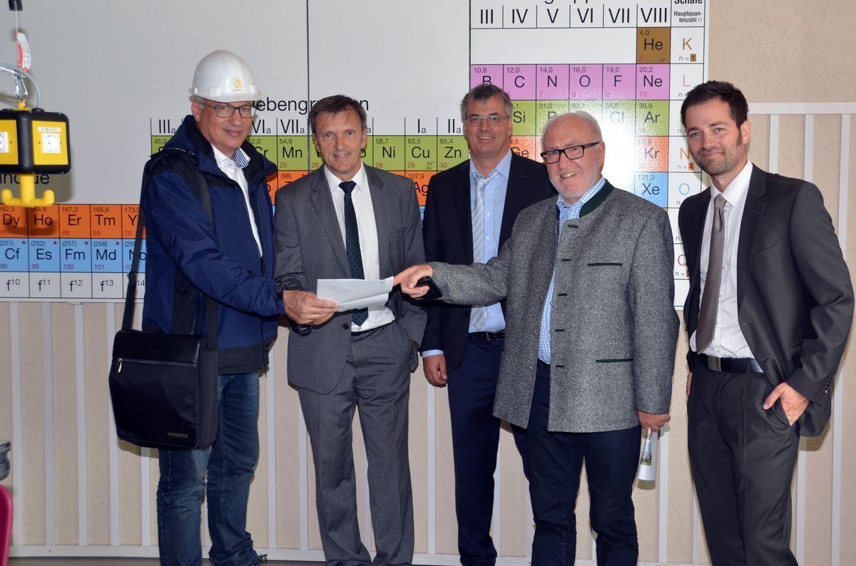 OT-Gymnasium-Diedorf Das neue Schmuttertal-Gymnasium Diedorf kann zum neuen Schuljahr in Betrieb genommen werden News Politik Heinz Liebert Schmuttertal-Gymnasium Diedorf |Presse Augsburg