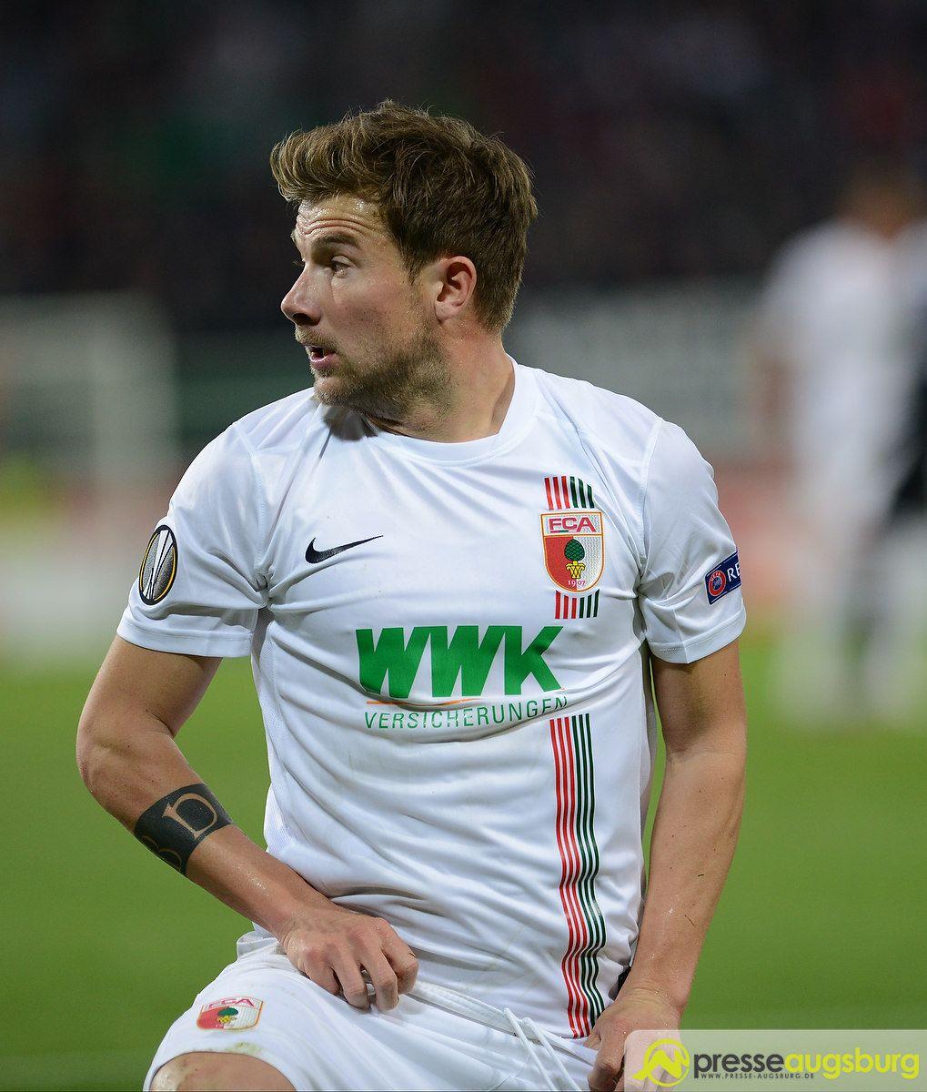 fca_belgrad_0006 FC Augsburg |Daniel Baier fällt mehrere Wochen verletzt aus FC Augsburg News Sport Daniel Baier FC Augsburg |Presse Augsburg
