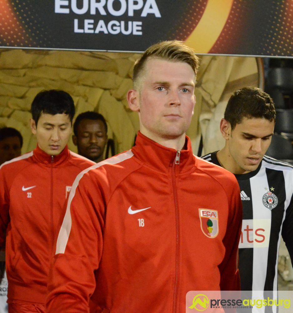 2015-12-10-Belgrad-FCA-–-018 FC Augsburg |Callsen-Bracker erleidet Wadenbeinbruch nach Horror-Foul FC Augsburg News Sport Callsen-Bracker Foul Wadenbeinbruch |Presse Augsburg