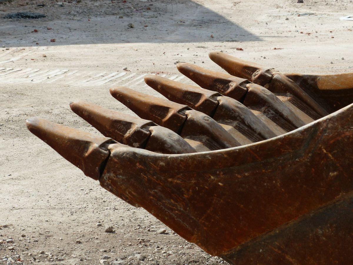 excavator-buckets-167743_1280 Dasing |Bagger zerstört Gasleitung - Explosionsgefahr sorgt für Großeinsatz News Polizei & Co Bagger Dasing Gasleitung |Presse Augsburg