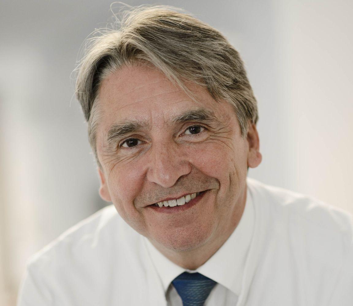 hessing_Dr._Tressel_2 Hessing-Chefarzt Dr. Wolfgang Tressel geht in den Ruhestand Gesundheit News Dr. Wolfgang Tressel Hessing-Stiftung |Presse Augsburg
