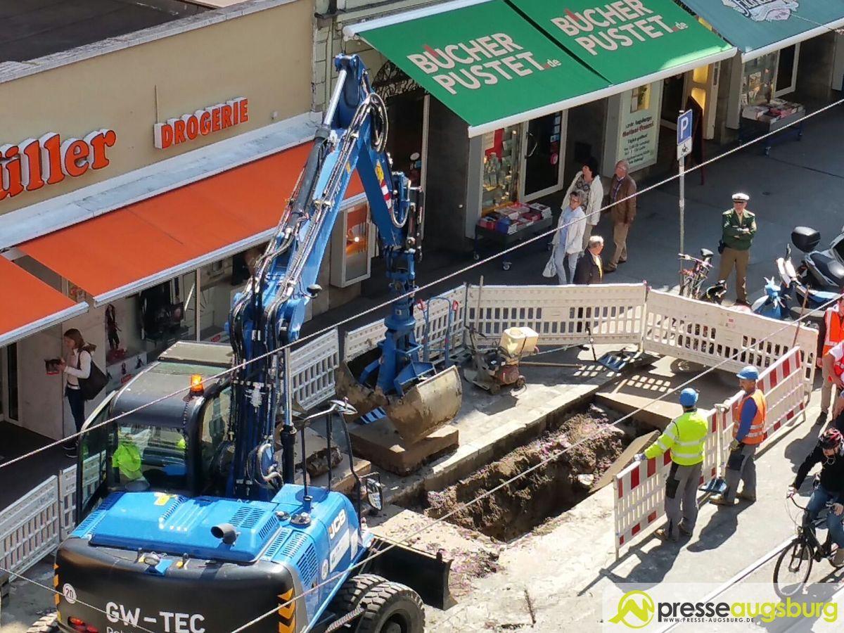Foto-3 Augsburg | Weitere Einschränkungen nach Wasserrohrbruch in der Karolinenstraße News Augsburg Ersatzbus Karolinenstraße Linie 2 Straßenbahn Wasserrohrbruch |Presse Augsburg