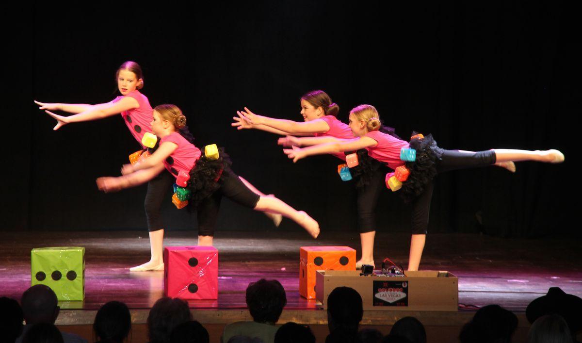 Kniffel Die Tänzerinnen des TSV Firnhaberau rocken die Stadthalle Gersthofen News Sport RSG/ Tanz/ Ballett TSV Firnhaberau |Presse Augsburg