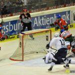 140218_AEV_Hamburg_071-150x150 Panther ringen die Hamburg Freezers nieder und bewahren sich ihre Playoff-Chance Augsburger Panther News Sport  Presse Augsburg