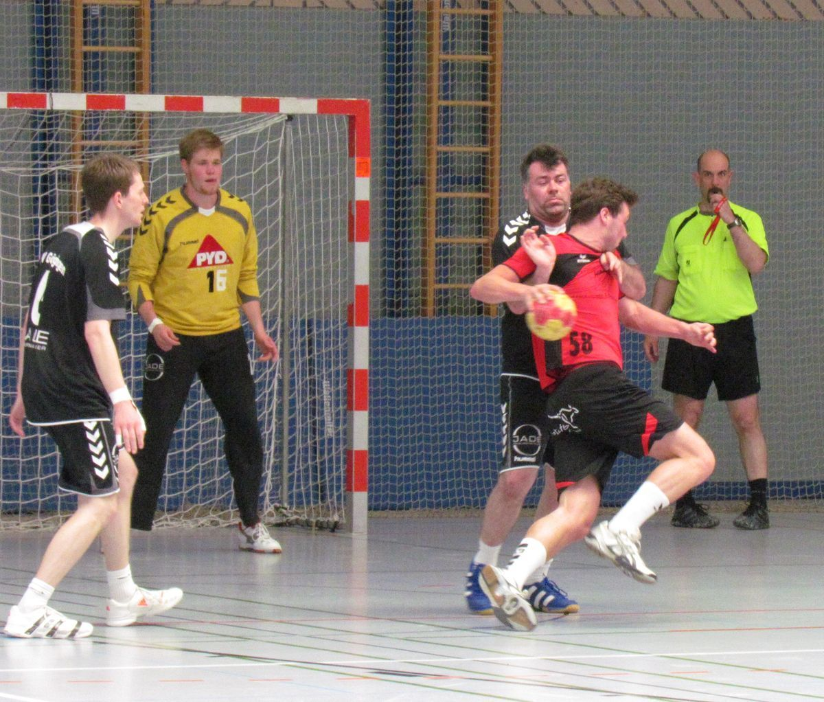 2014-05-10-14.09.59-handball_bhv_quali_03 Handball |Schwabmünchen gewinnt Pokalqualifikationsturnier in Neusäß Handball News News Sport BHV-Pokal Handball TSV Dinkelscherben TSV Gersthofen TSV Neusäß TSV Schwabmünchen |Presse Augsburg