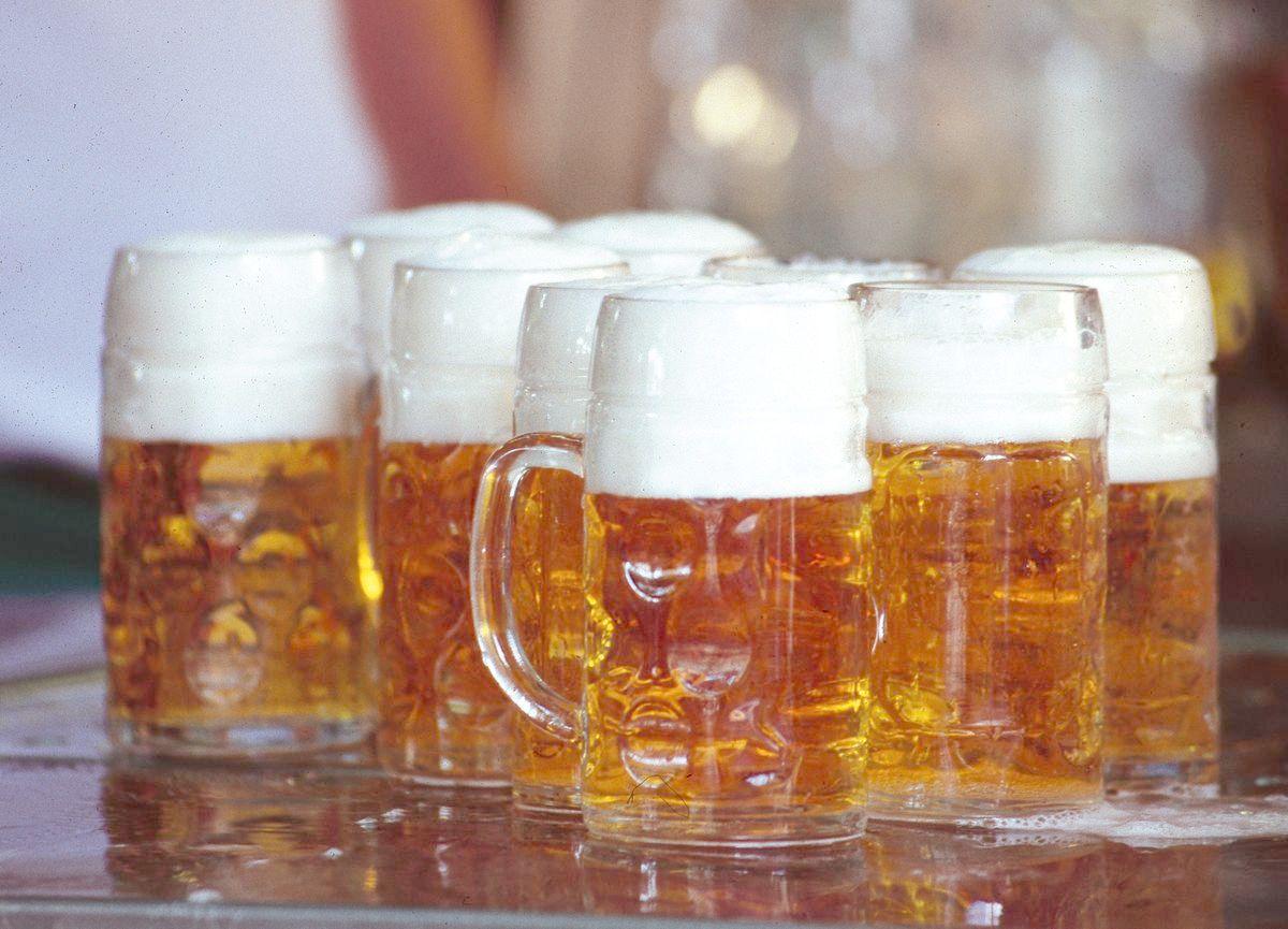 maßkrüge Grobe Schlägerei bei Maifest in Neusäß-Hainhofen Augsburg Stadt News Polizei & Co Feuerwehr Polizei Hainhofen Maifest Neusäß Schlägerei |Presse Augsburg