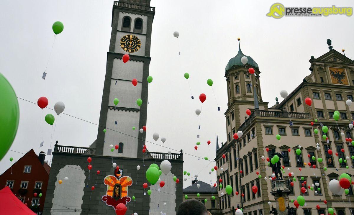 20140928_turamichele_0010 Bildergalerie | Das Turamichele besiegt auch dieses Jahr das Böse Bildergalerien Freizeit News Augsburg Bildergalerie Rathausplatz Turamichele |Presse Augsburg