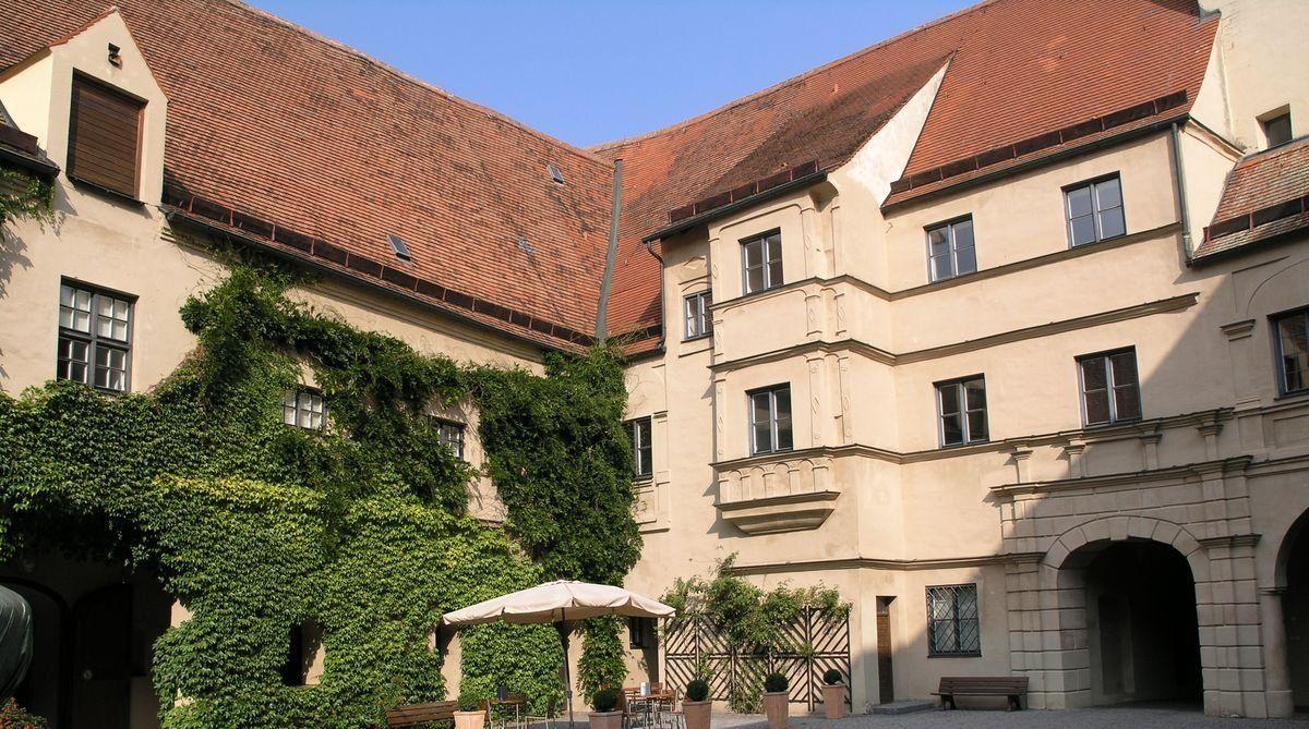 6 Innenhof Wittelsbacher Schloß Friedberg