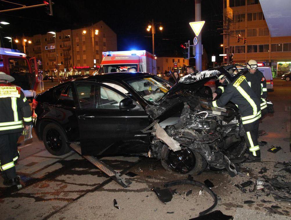 feuerwehr_unfall_bärenwirt Tödliche Verkehrsunfälle nehmen zu   Polizeipräsidium veröffentlicht Verkehrsunfallstatistik 2014 News Verkehrsunfälle  Presse Augsburg