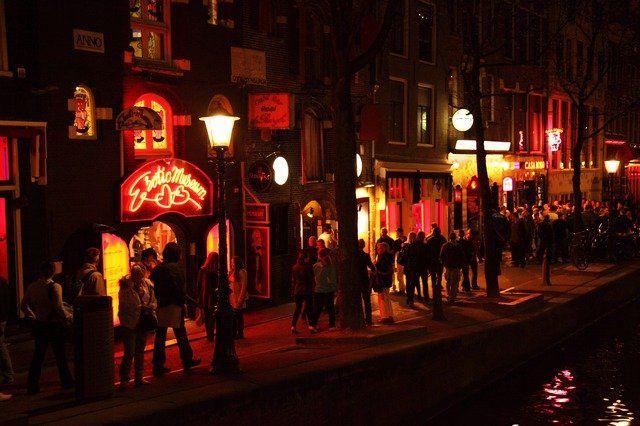 rotlicht Ermittlungserfolg: Augsburger Kripo nimmt rumänischen Menschenhändler fest News Polizei & Co Augsburg Bordell Kripo Menschenhandel Polizei Prostitiution  Presse Augsburg