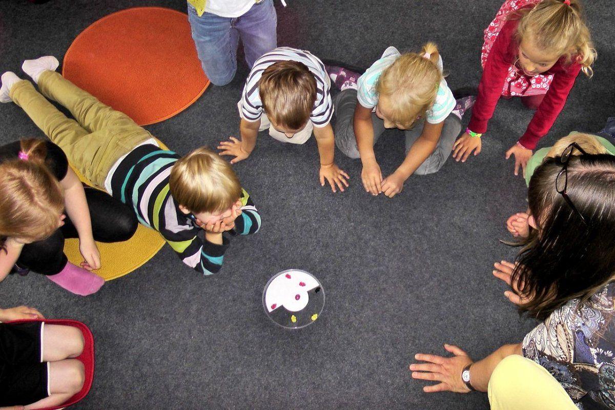 Augsburg   Teile einer Bombe auf Kindergarten-Grund gefunden - Kita bleibt geschlossen