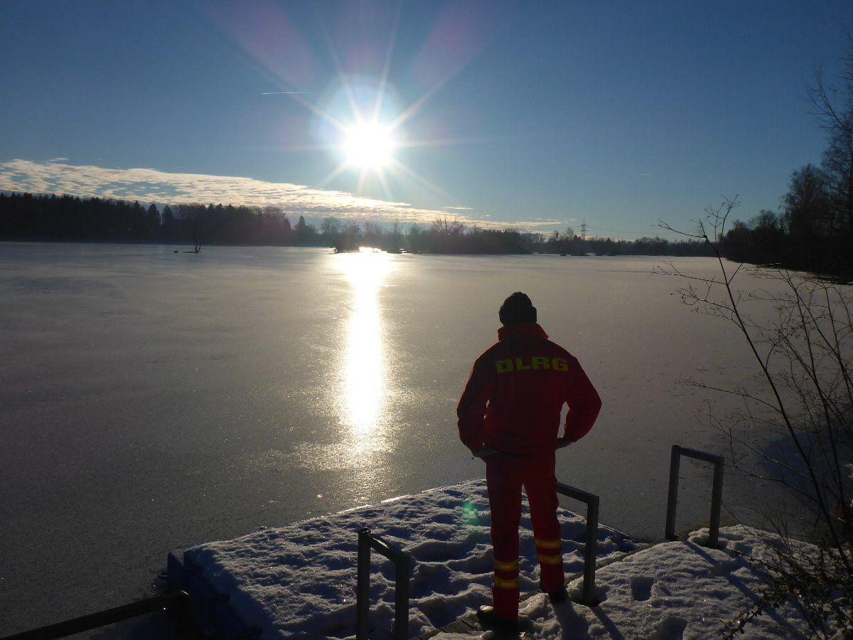 Wintertraum-Weitmannsee- Trotz Kältewelle: Eisflächen auf Seen sind immer noch lebensgefährlich! Freizeit News Augsburg Eislaufen See |Presse Augsburg