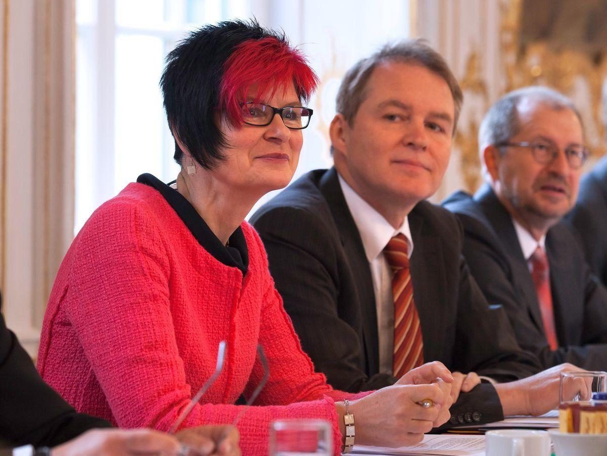 Volkmar Thumser bei der konstituierenden Sitzung des Bezirkstags 2013 neben SPD-Fraktionskollegin Petra Beer aus Memmingen | Foto: Bezirk Schwaben , Christina Bleier