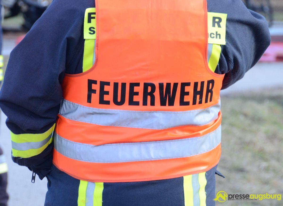20150303_unfall_polizei_feuerwehr_010 Friedberg |Feuerwehrmann verunfallt auf dem Weg in Feuerwehrhaus Aichach Friedberg News Newsletter Polizei & Co |Presse Augsburg