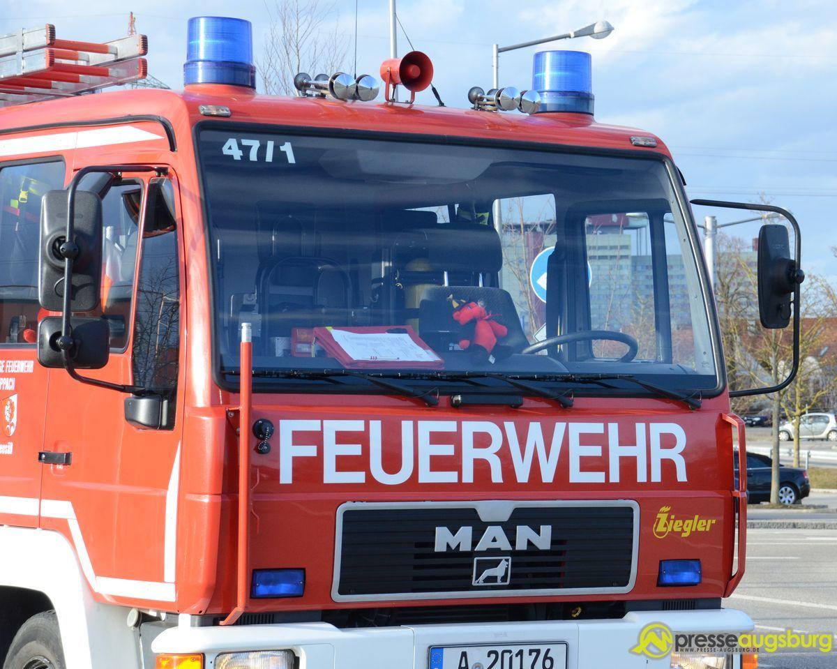 20150303_unfall_polizei_feuerwehr_011 Königsbrunn | Feuer in Malerbetrieb sorgt für hohen Schaden Politik Feuerwehr Feuerwehr Königsbrunn Königsbrunn Malerbetrieb |Presse Augsburg