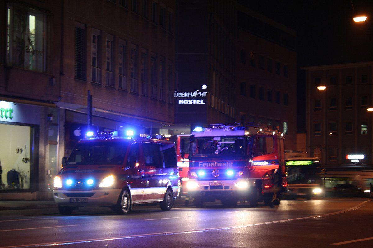 IMG_2032 Karlstraße | Shisha in Hostel löst Feuerwehreinsatz aus News Polizei & Co Augsburg Einsatz Feuerwehr Hostel Karlstraße Shisha |Presse Augsburg