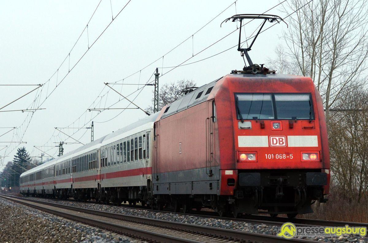 zug_bahn_lok Sturmschäden | Der Zugverkehr kann in großen Teilen wieder aufgenommen werden News Augsburg-München Bahn Buchloe-Schwabmünchen Münchener Hauptbahnhof Orkan Niklas Sturmschäden Zugverkehr |Presse Augsburg