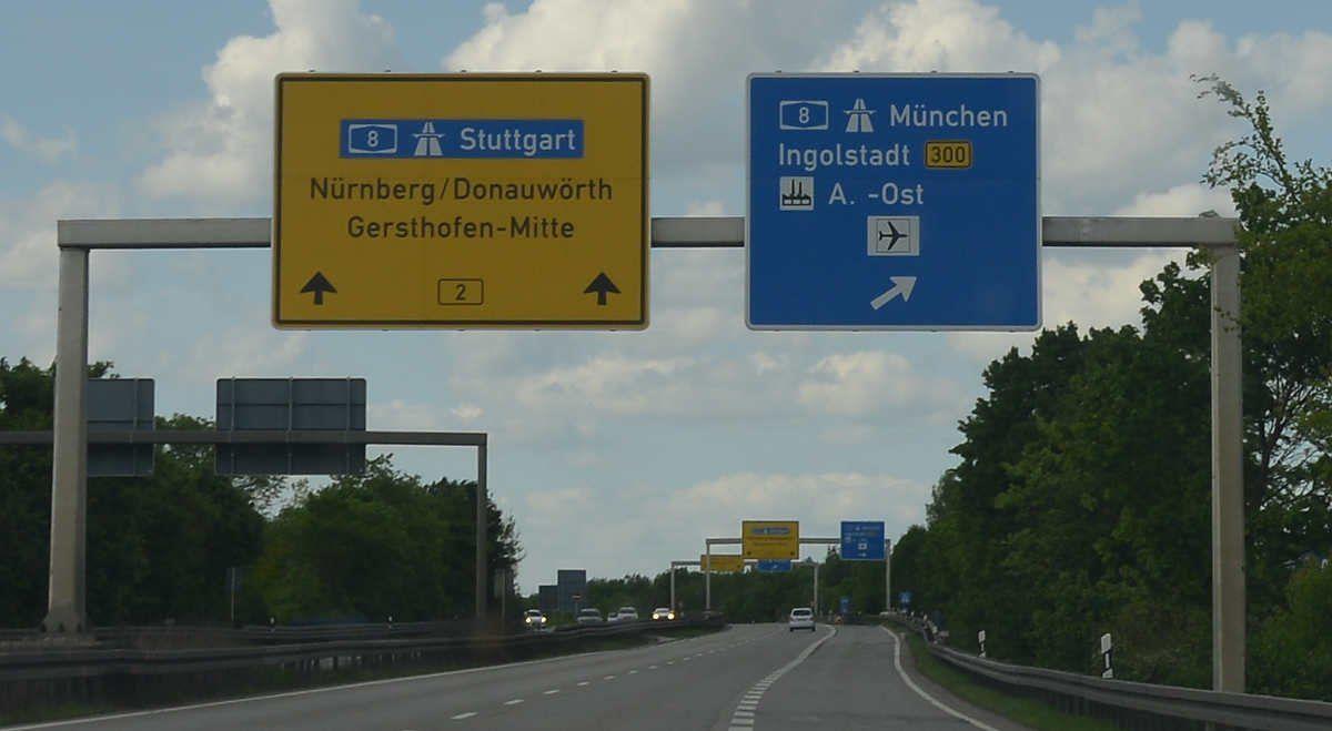 B B Augsburg eilmeldung wegen einer ölspur bereits mehrere unfälle auf der b2 bei augsburg presse