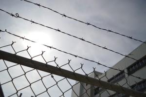 Memmingen | Frau wird in Tiefgarage überfallen - Kripo verhaftet Tatverdächtigen