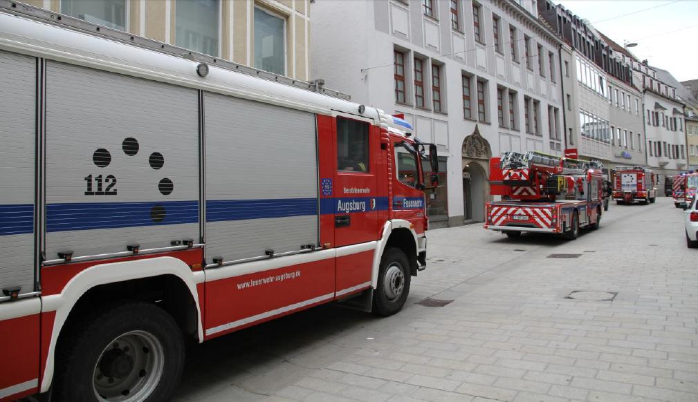 feuerwehr-anna Feuerwehreinsatz im Augsburger Rathaus Augsburg Stadt News Polizei & Co Annastraße Augsburger Rathaus Feuerwehr |Presse Augsburg