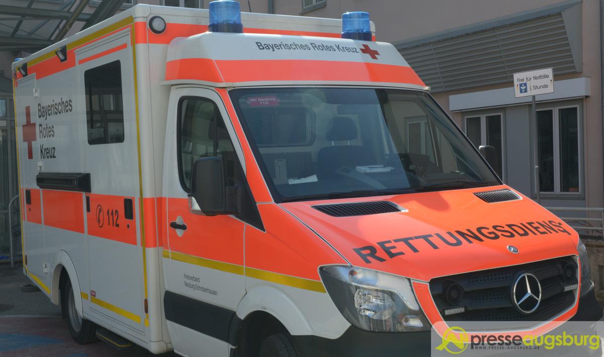 Krankenwagen025