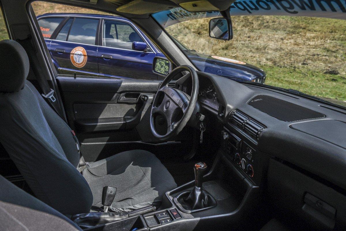 """aor_team_59 Die lange Reise zum Kamel   Das private Team """"5ever"""" startet mit drei klassischen BMW 5er Touring zur Langstreckenrallye Allgäu - Orient Freizeit News Ostallgäu Region Unterallgäu 5ever Allgäu - Orient Rallye BMW  Presse Augsburg"""