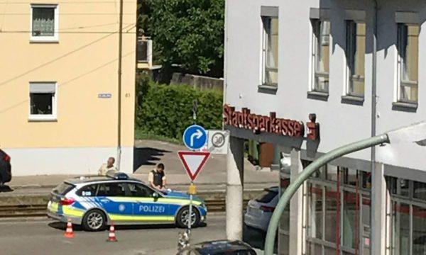 Augsburg-Lechhausen | Streifenwagen an Unfall auf der Blücherstraße beteiligt
