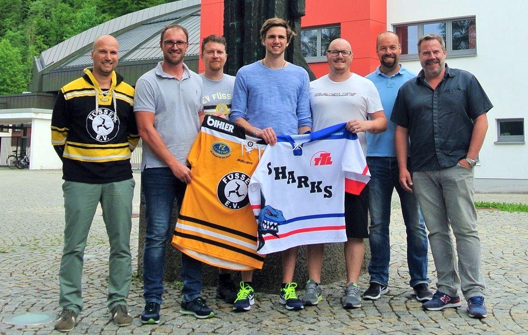 Kooperation-Fuessen-Kempten Eishockey   Bayernligist EV Füssen und Landesligist ESC Kempten kooperieren mehr Eishockey News Ostallgäu Unterallgäu ECS Kempten Sharks EV Füssen  Presse Augsburg