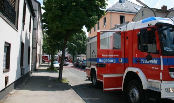 Augsburg | Feuerwehr muss zu Küchenbrand ausrücken - Feuermelder verhindert Schlimmeres