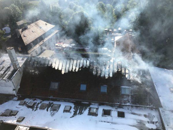 Augsburg-Hochzoll | Hoher Schaden bei Lagerhallenbrand in der Meringer Straße