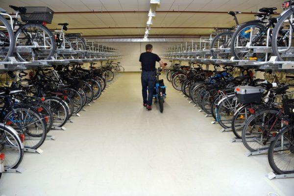 Gute Nachrichten für alle Velofreunde - Zweite Radstation am Augsburger Hauptbahnhof eröffnet