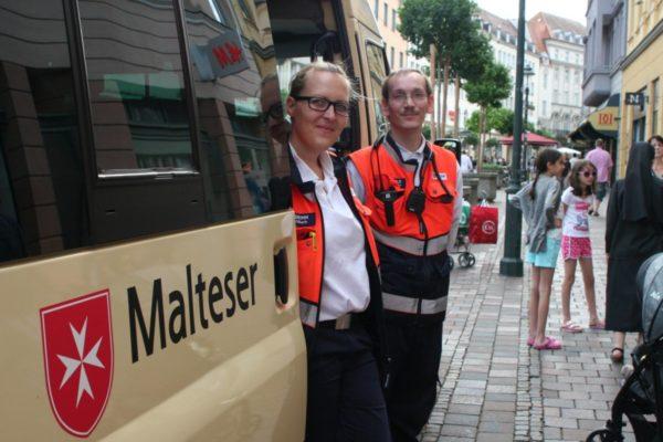 Rund 110 Patienten bei den Augsburger Sommernächten versorgt - Sachbeschädigung an Rettungswagen trübt Gesamteindruck