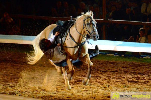 Schwere Unfälle bei den Kaltenberger Ritterspielen - Reiter lebensgefährlich verletzt