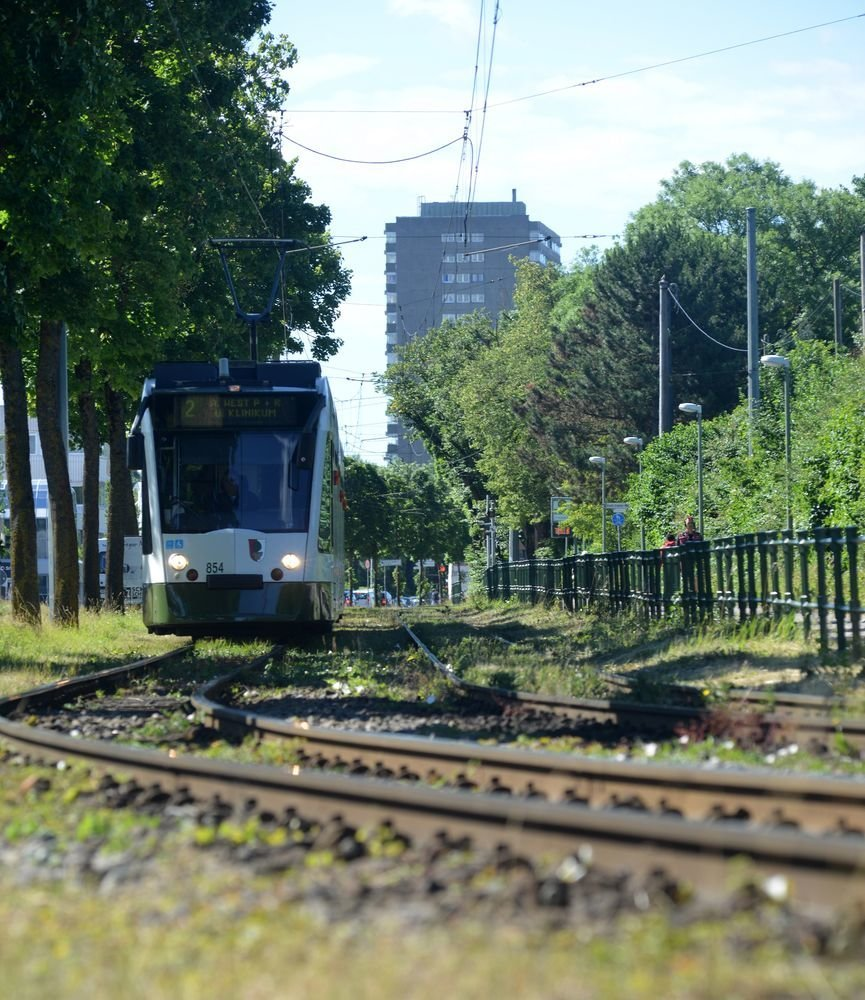 Augsburg 37 Jahre Alte Gleise Der Straßenbahn Linie 2 Werden In