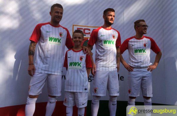 FC Augsburg präsentiert exklusive Trikots für die kommende Saison