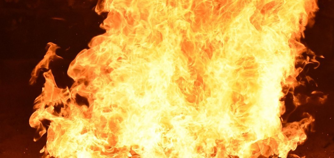 kreis augsburg rund quadratmeter gro es getreidefeld steht in flammen presse augsburg. Black Bedroom Furniture Sets. Home Design Ideas