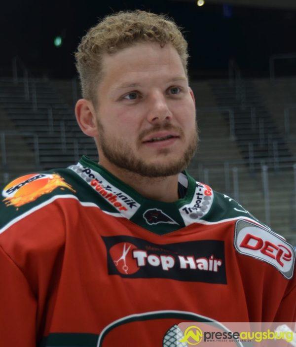 Steffen Tölzer bleibt Kapitän der Augsburger Panther