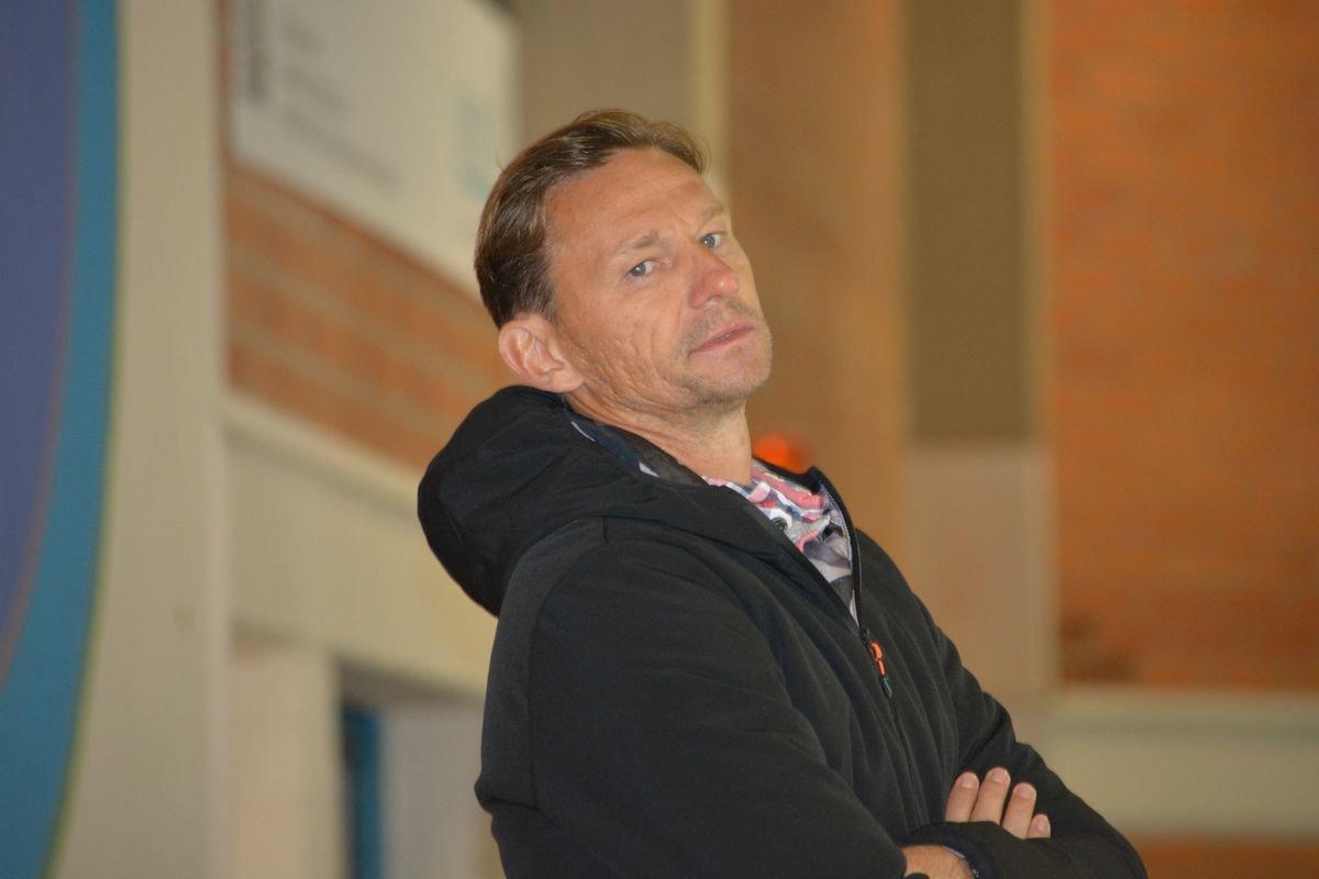 Alexander-Wedl-ehc Für den ESV Buchloe wird es ernst - Trainer und Vorstand im Interview mehr Eishockey News Ostallgäu Sport |Presse Augsburg