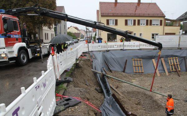 Augsburg-Lechhausen | Starkregen bringt Straßenlaterne zum Absturz