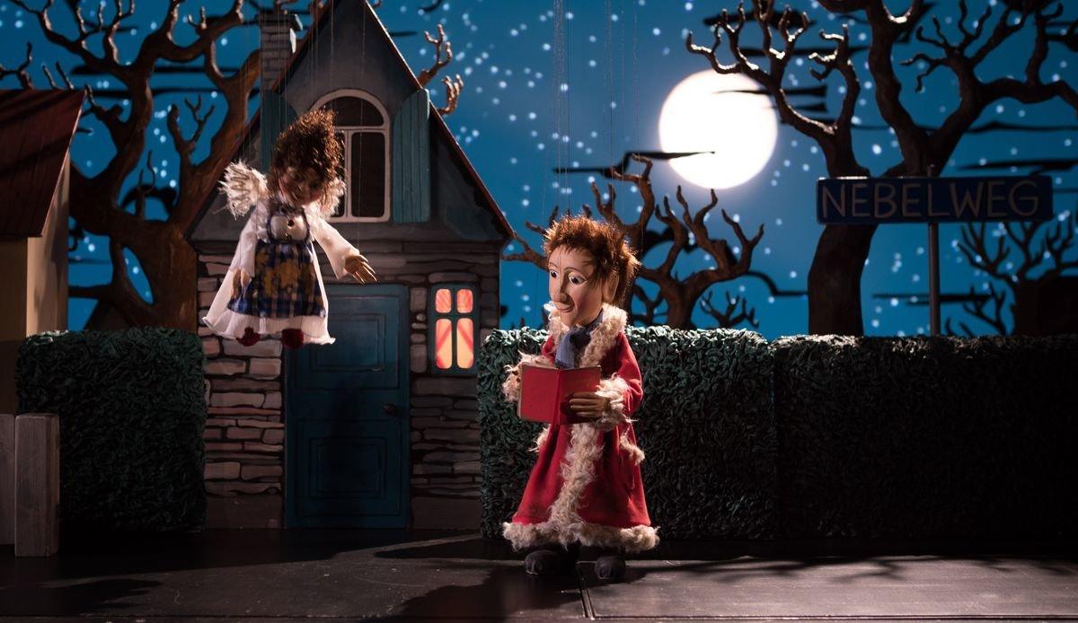 ADWVHF_Bild7 Augsburger Puppenkiste bringt weiteres Weihnachtsstück ins Kino Augsburg Stadt Freizeit News Newsletter Als der Weihnachtsmann vom Himmel fiel Augsburger Puppenkiste Cornelia Funke Kino |Presse Augsburg