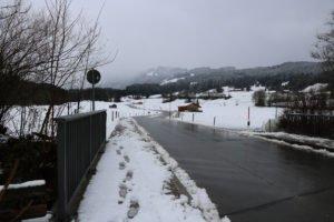 A8/ Dasing/Gersthofen | Schneefall führt zu mehreren Unfällen
