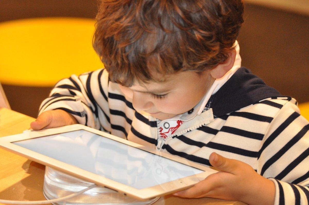 child-1183465_1280 Ab 1. Januar bietet die Augsburger Stadbücherei mit SCOYO eine neue Online-Lernplattform für Schüler Augsburg Stadt News Online-Lernplattform SCOYO Stadtbücherei Augsburg  Presse Augsburg