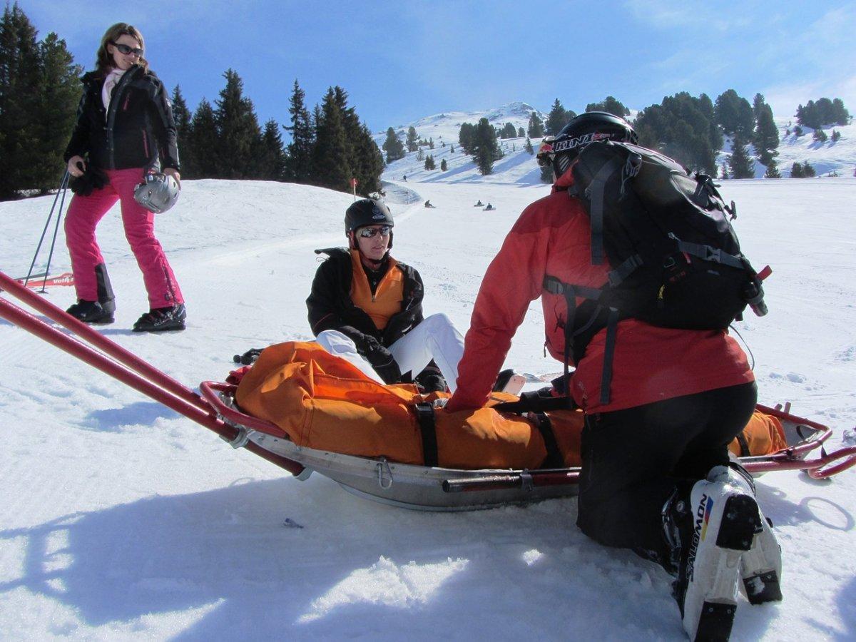 winter-holiday-2493384_1280 Winterzeit ist Ski-Zeit: Wer haftet bei Unfällen auf der Piste? Freizeit News |Presse Augsburg