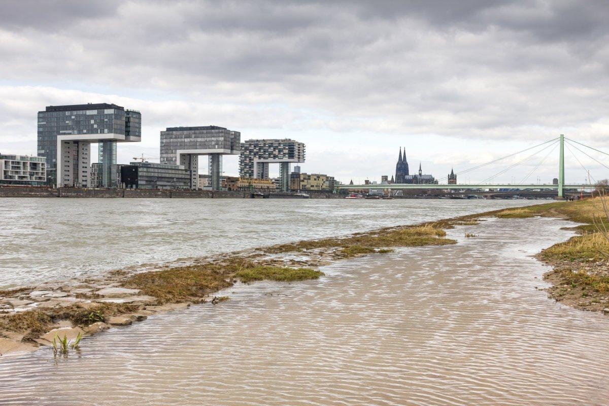 20180104_PM_WetterOnline_Hochwasser Steigende Hochwassergefahr - auch in Schwaben bereitet man sich auf immer höhere Pegel vor News Newsletter Donau Hochwasser Iller Rhein |Presse Augsburg